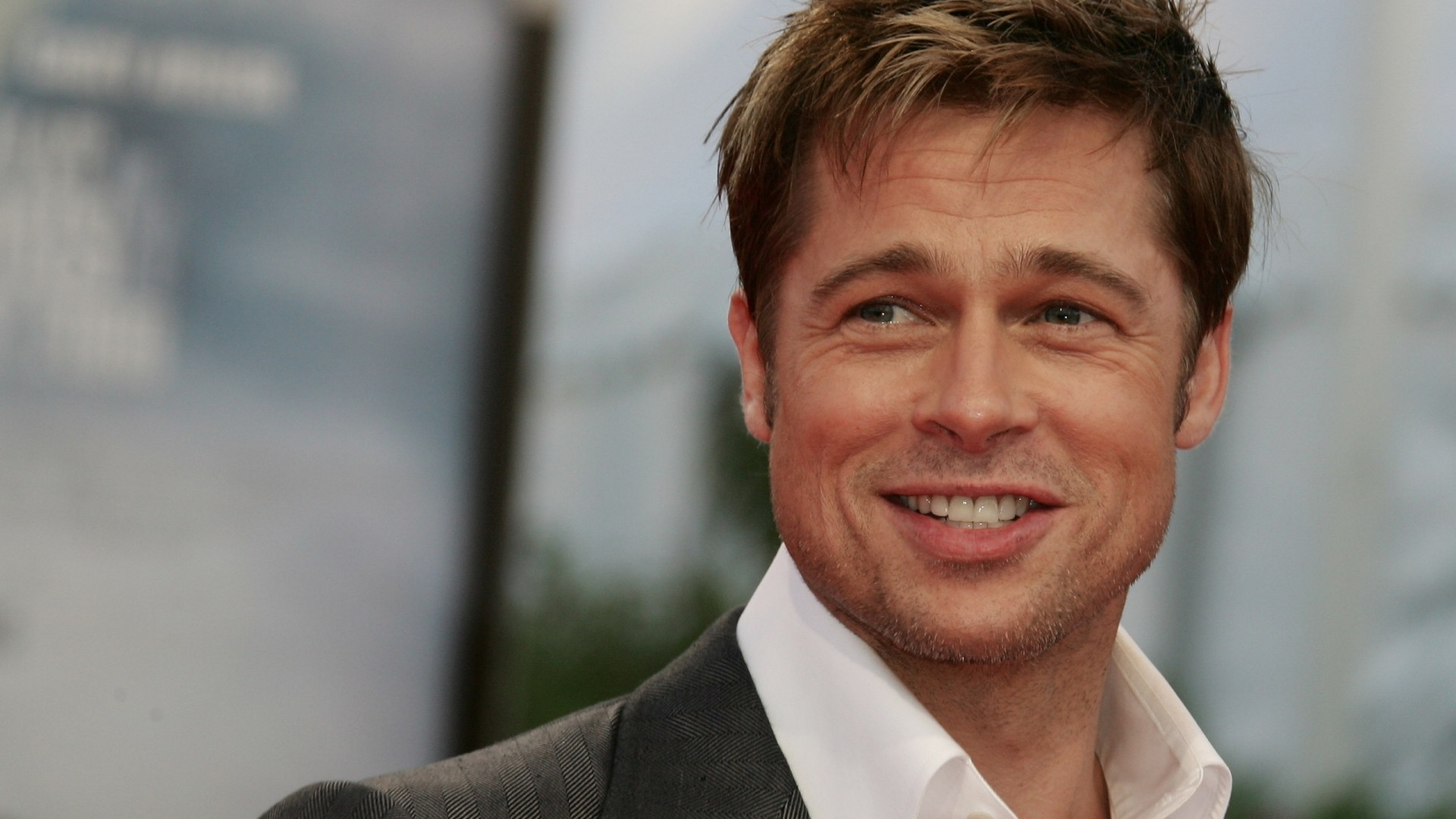 Brad Pitt Cool Smile Photo Pictures HD Desktop Wallpaper Widescreen Desktop