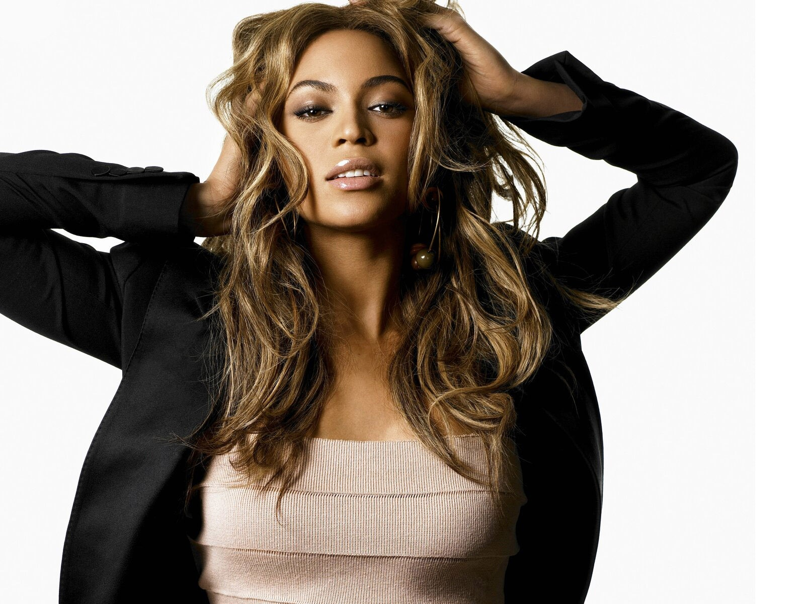 Beyonce Knowles: Beyonce Knowles Hot Wallpapers