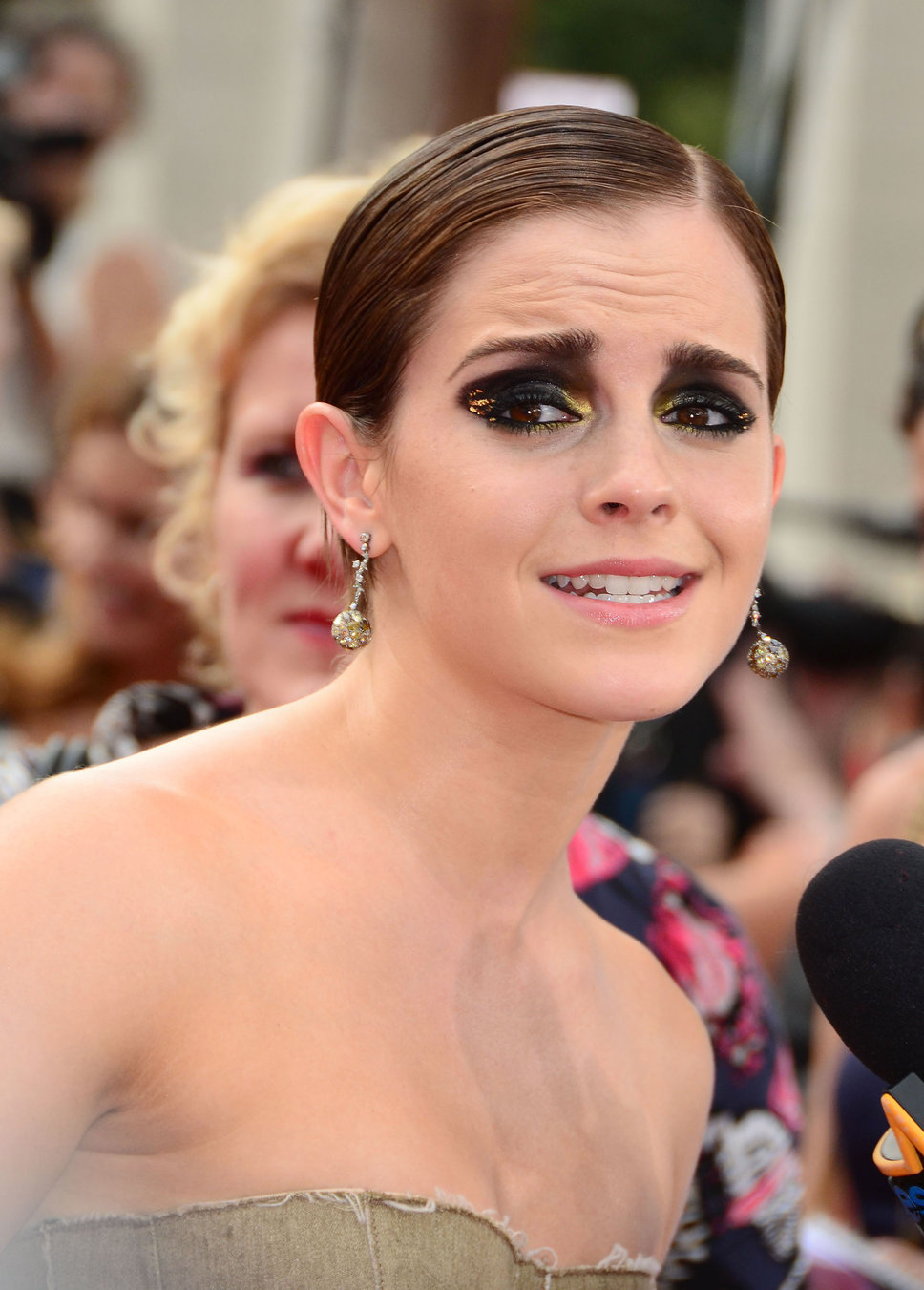 Emma Watson bad makeup photo | Posh24