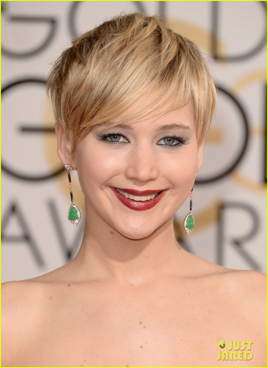 Jennifer Lawrence – Golden Globes 2014 Red Carpet | 2014 Golden