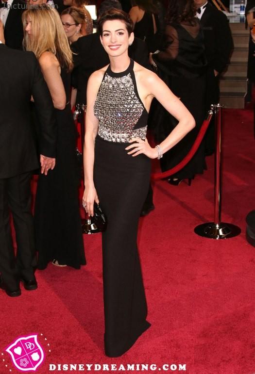 Anne Hathaway 2014 Oscars