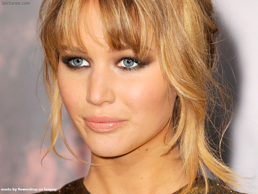 Jennifer Lawrence Beautiful Sexy Blue Eyes Wallpaper