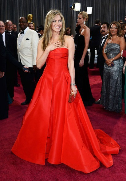 Jennifer Aniston in Beautiful Red Dress OScar 2013