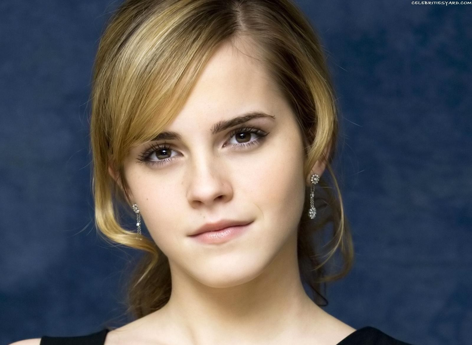 Hot Emma Watson Wallpaper