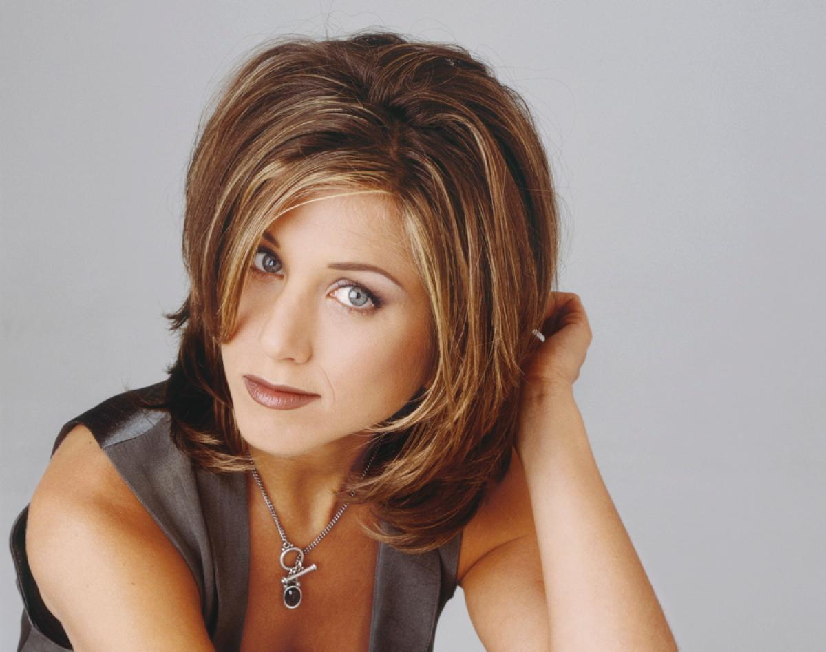 Jennifer Aniston Sexy Short 1994 Hairstyle Wallpaper